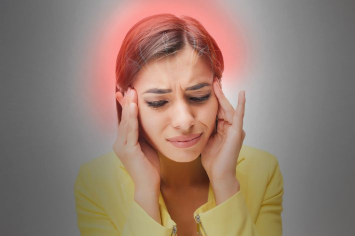 Hypophysitis symptom - severe headache without relief